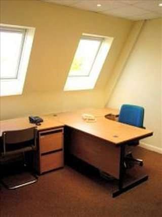 Crest House Office Space - TW11 8PY