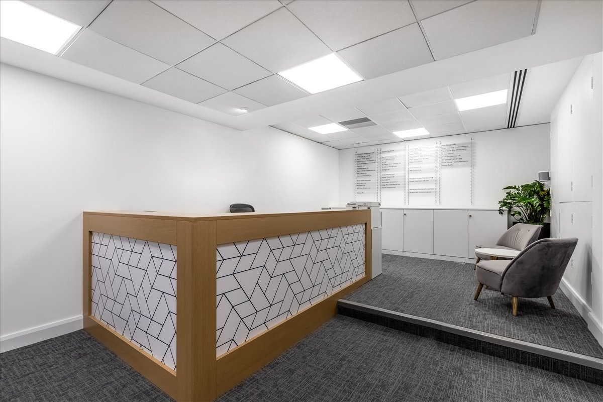 100 Pall Mall Office Space